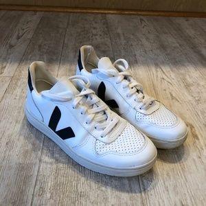 Womens Veja V-10 Sneaker
